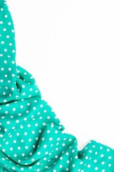 Зеленый фон в горошек