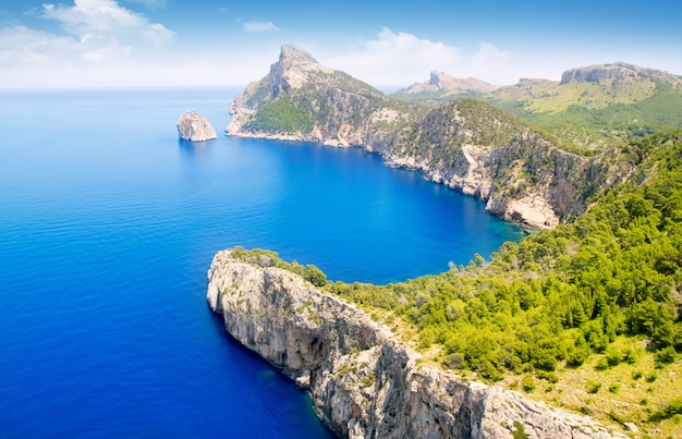 マヨルカ島でpollensa空中海の景色にフォーメントー岬