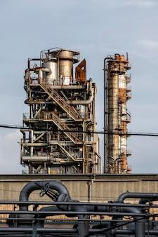 Загрязнение окружающей среды и промышленный внешний вид при дневном свете