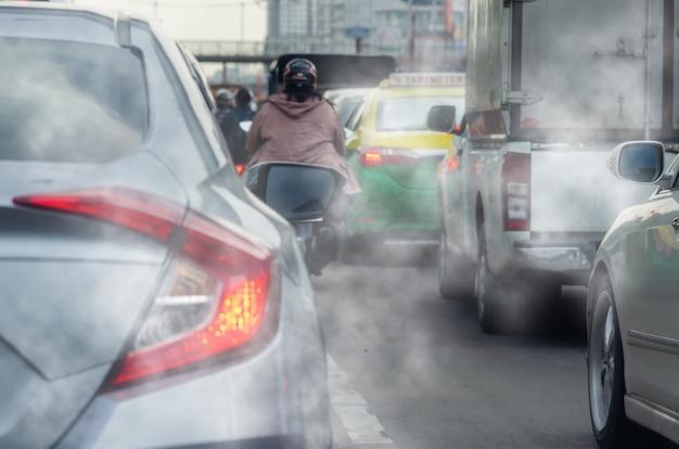 市内の自動車排気ガスによる汚染