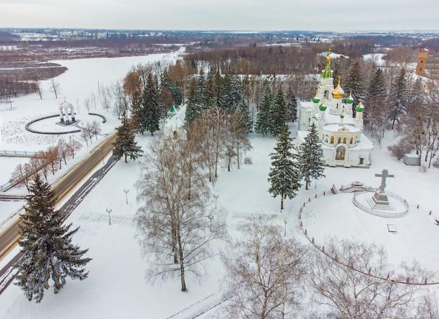 Полтава, украина сампсониевский храм-памятник, расположенный на территории историко-культурного заповедника поле великой полтавской битвы.