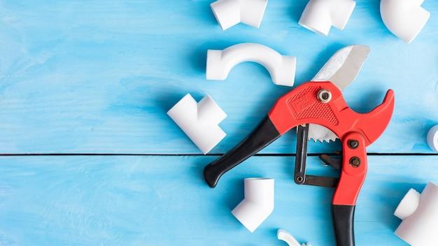 Запчасти полипропиленовые для ремонта и прокладки пластиковых труб.