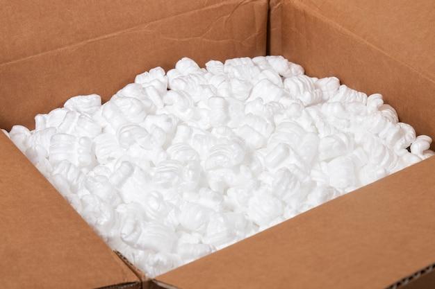 폴리스티렌 또는 백색 스티로폼 포장