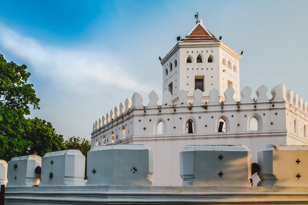 Pom phra sumen (phra sumen fort) with blue sky background