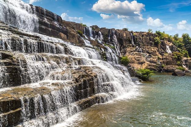 Водопад понгур, вьетнам