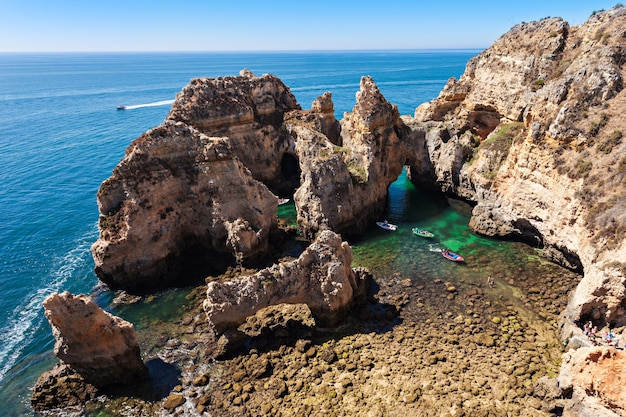 Понта-да-пьедаде в лагуше, регион алгарве в португалии
