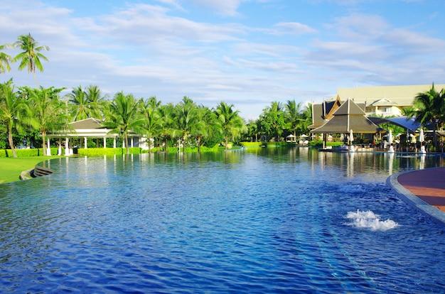 タイのプール