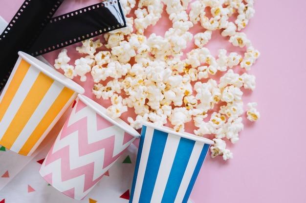 Popcorn e film reel