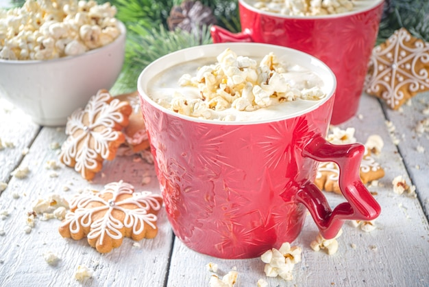ポップコーンラテコーヒーマグラテと塩味のチーズポップコーン