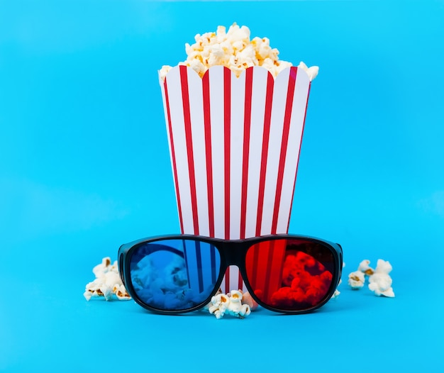 Popcorns and 3d glasses