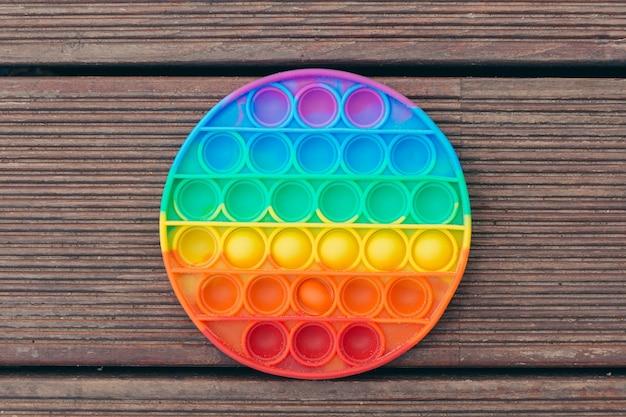 Популярная цветная антистрессовая игра