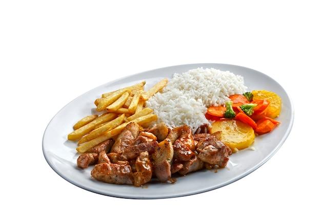 쌀과 감자를 곁들인 돼지고기