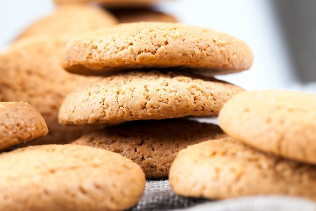Porous cookies baked with oatmeal, not very sweet dry and crunchy cookies, oatmeal cookies not very high in calories