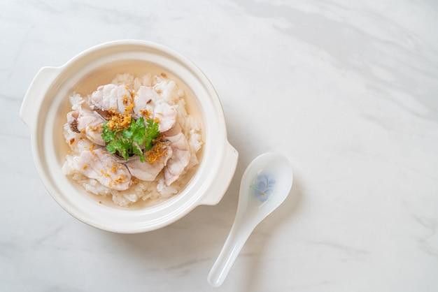 Каша или отварной рисовый суп с аквариумом