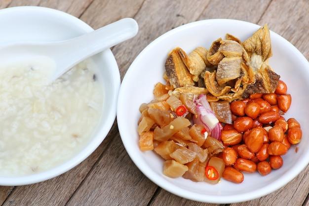 Porridge rice gruel with peanuts