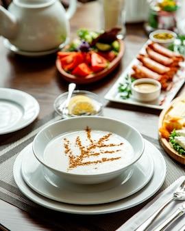 Porridge topped with cinnamon