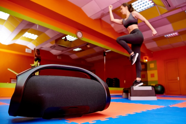 Portable acoustics in the aerobics room