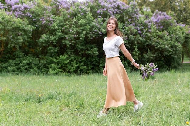 Portait woman with lavender bouquet