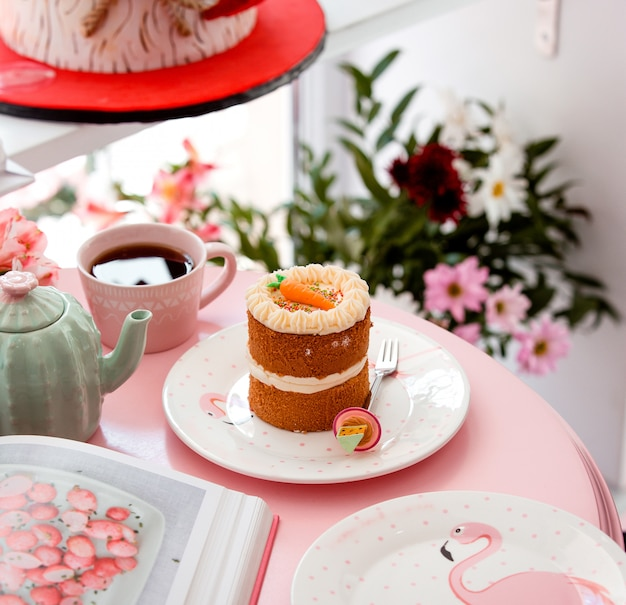 Portioned carrot cake in cute setup