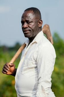 肖像画アフリカの年配の男性