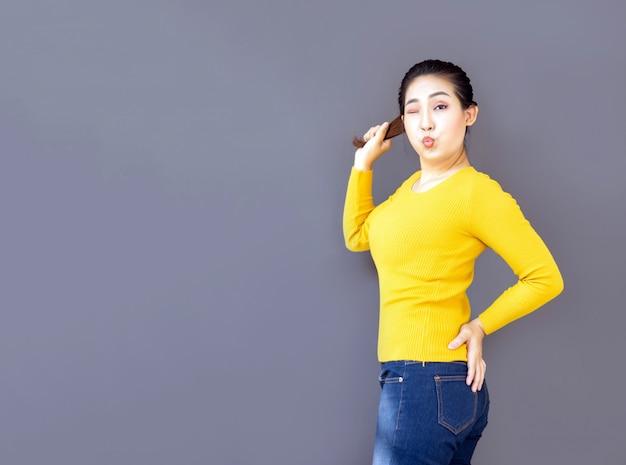 アジアの女性の肖像画かわいいカジュアルカジュアル