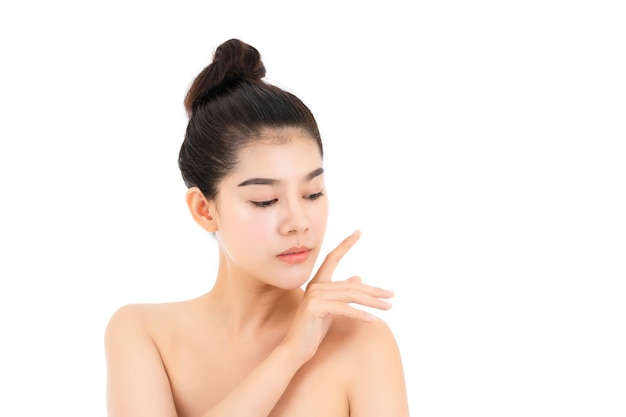 Portrait of attractive asian young woman with beauty skin and face isolated on white surface. healthy skin and face care concept.