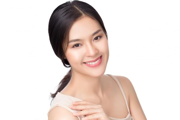 肖像画の美しい若いアジア女性の清潔でさわやかな肌のコンセプト