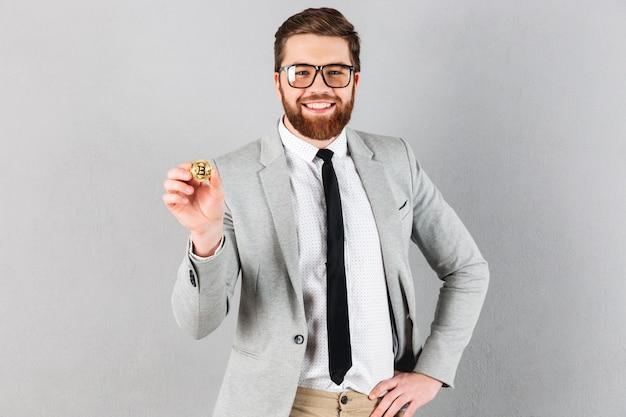 Portrait of a confident businessman dressed in suit