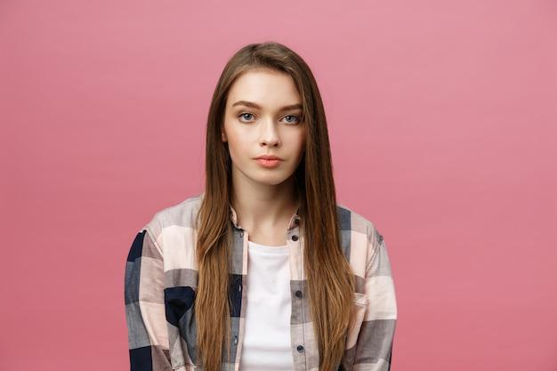 肖像画の表現力豊かな若い女性