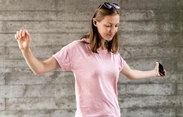 Портрет женский танец