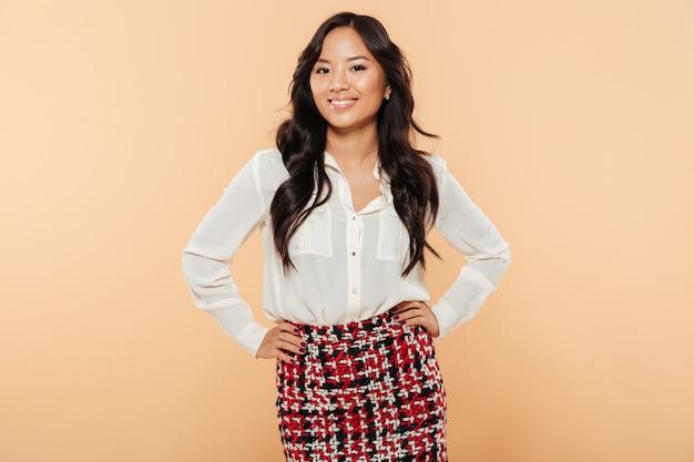 Ritratto di una donna asiatica felice