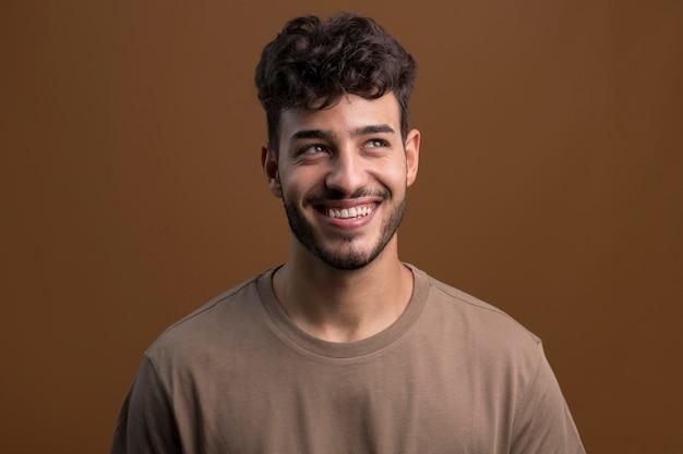 Portrait of happy smiley man