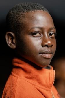 肖像画の小さなアフリカの少年