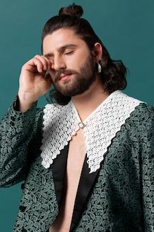 ファッショナブルな服を着た肖像画の男