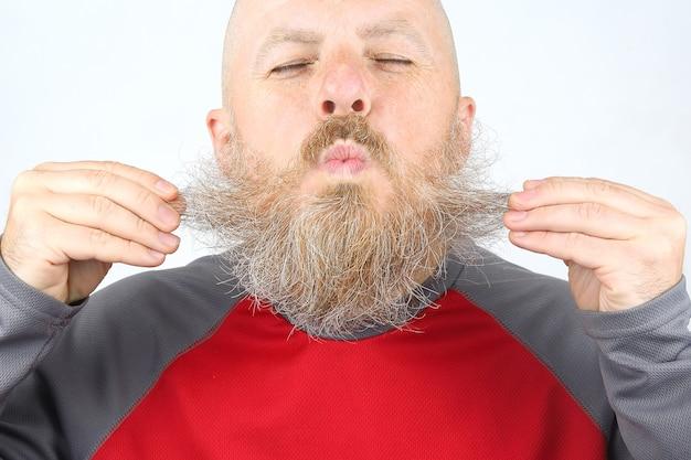 빛에 대머리, 수염 난 남자의 초상화