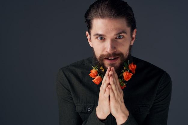 あごひげを生やした男の肖像花ロマンス装飾ギフト暗い。