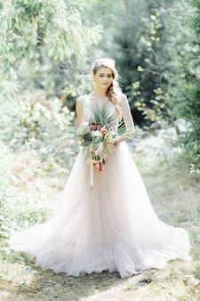 Портрет красивой невесты. свадебная церемония в стиле бохо