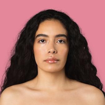 美しい南アメリカの女性の肖像画