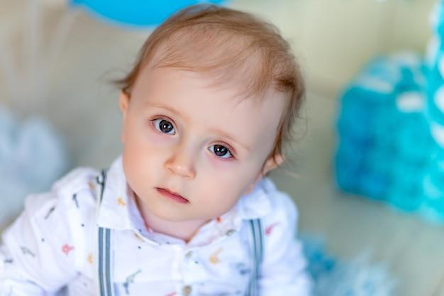 Портрет ребенка мальчик л, ребенок 1 год, счастливое детство, детский день рождения