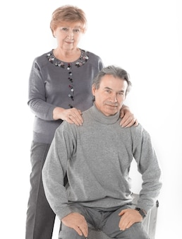 かわいい老夫婦の肖像画。白い背景で隔離
