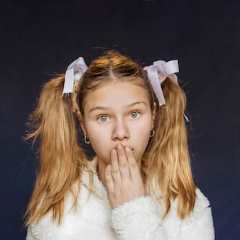 女の子、肖像画、手、口