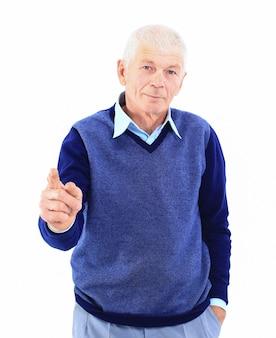 흰색에 엄지손가락을 보여주는 행복한 성숙한 남자의 초상화