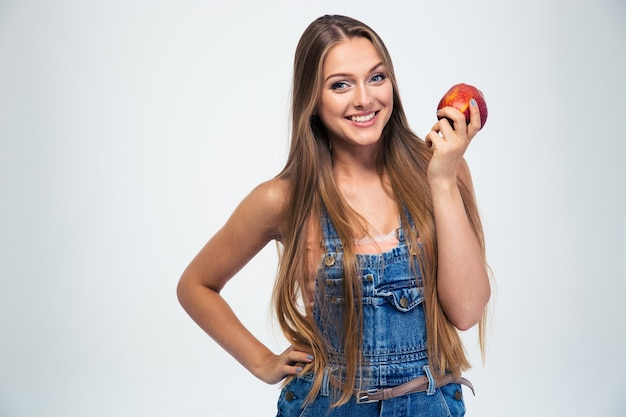 사과 들고 행복 한 젊은 여자의 초상화