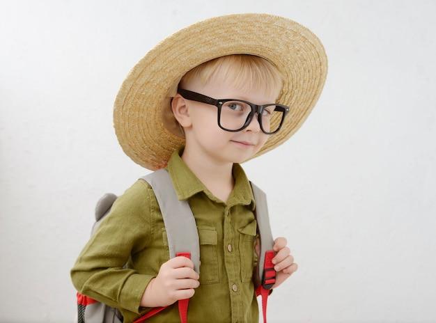 小さな男子生徒の肖像画