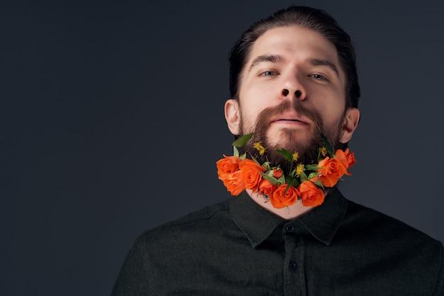 男の髪型ファッション花感情クローズアップの肖像画