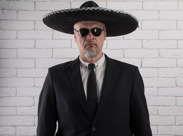 ソンブレロのメキシコ人男性の肖像画