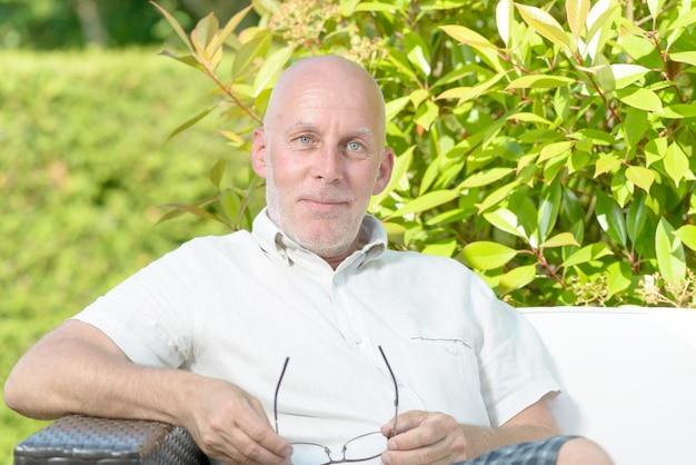 Портрет мужчины средних лет