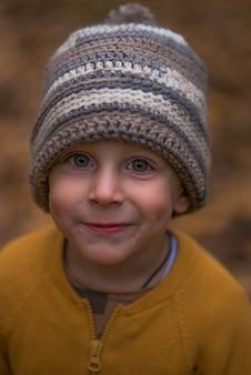 Портрет застенчивого мальчика.