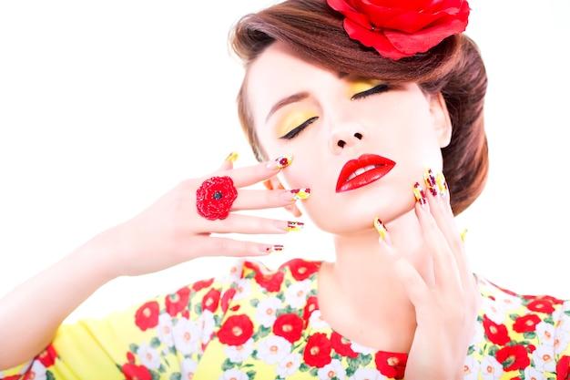 赤い唇を持つ女性の肖像画