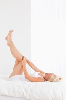 脚を持つ女性の肖像